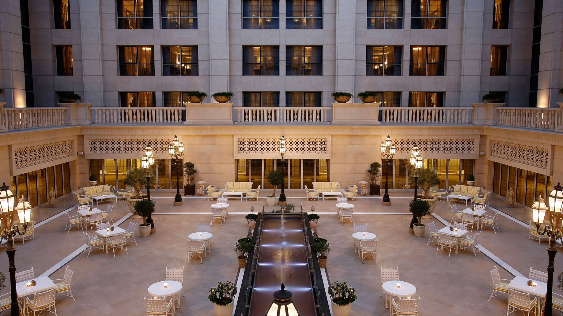 Le patio restaurant dubai at st regis dubai for St regis